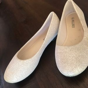 Other - Girls Golden sparkly flats